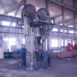 400吨摩擦压力机